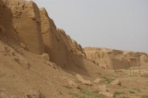 The walls of Gaochang (Karakhoja)